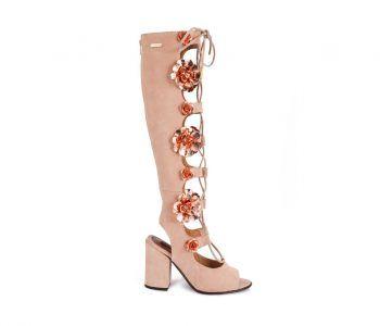 Ref: RO-ROS 0079        Os sapatos e botas Jane Birkin foram criados para mulheres confiantes, que expressam o seu espírito boémio e exuberante através dos detalhes.