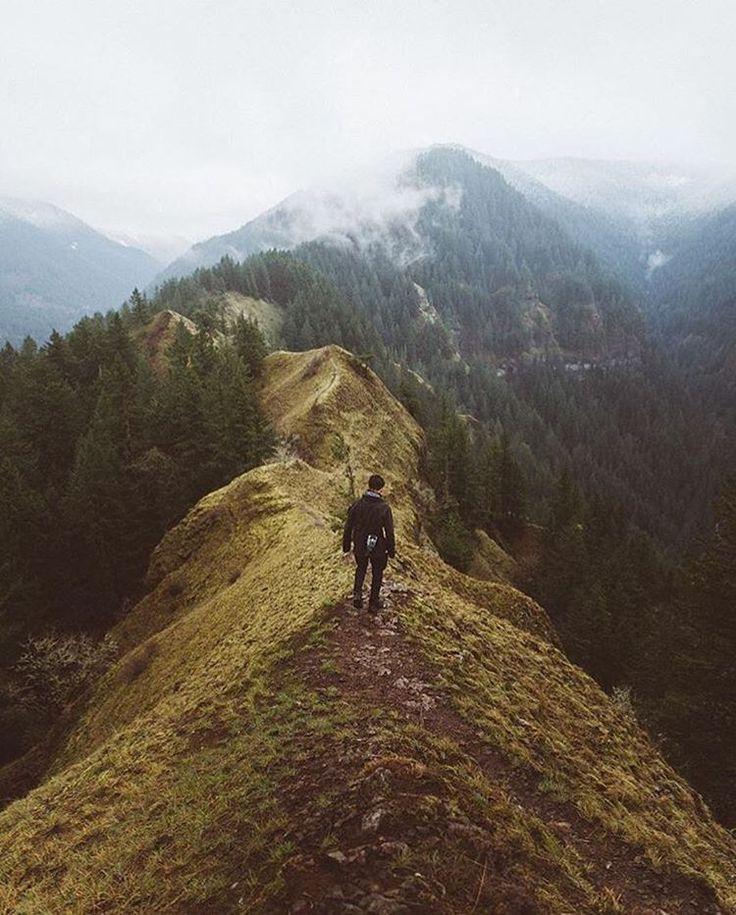 5.Janna en Eloy gaan samen de bergen op. Eloy wilt Janna krijgen tegen haar wil maar Janna duwt hem weg.En Eloy wordt heel boos.
