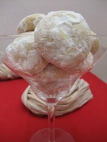 Sweet Lola: ...Seguimos - Polvorones Dominicanos (Melt-Away Cookies)