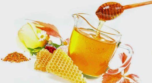 Care amanti della bellezza fai da te, oggi vi voglio parlare di un scrub dolcissimo con il miele che ho provato di recente. Come tutti sap...