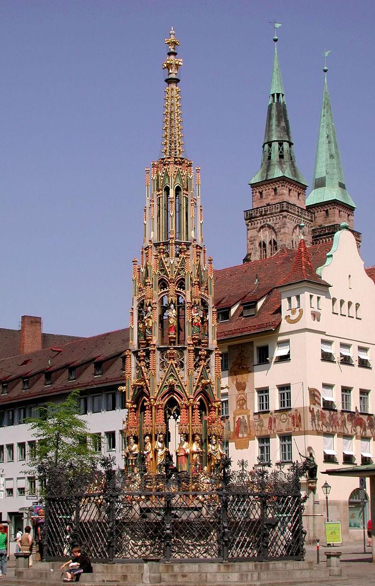 #Nürnberg Schöner Brunnen #Bayern