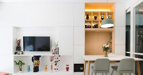House Tour: Clever storage solutions in the one-bedroom apartment of founders of Zairyo, the Japanese online marketplace