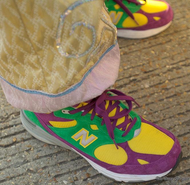 low priced 7aeeb 74179 Sneaker Politics Gazelle PK Mardi Gras colored New Balances!