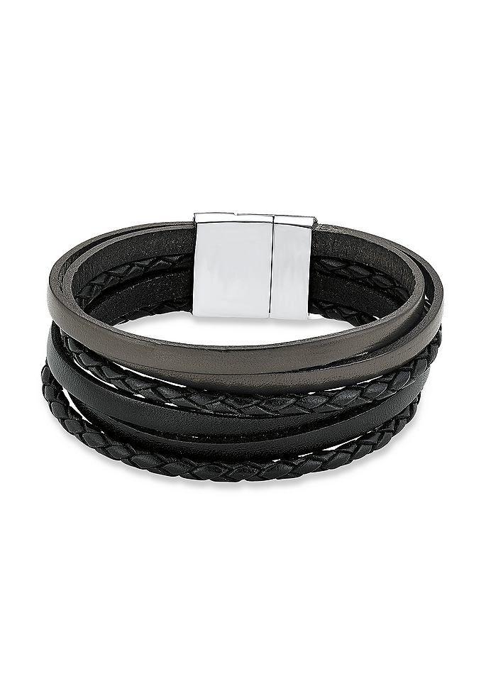 Armband, s.Oliver, »SO1030«. Ein trendiges aber auch zeitloses Accessoire für Herren. Das 6-reihige, schwarze, Lederband ist teilweise geflochten und hat je eine Breite von ca. 5 mm und eine Länge von ca. 21 cm. Der Magnetverschluss ist aus Edelstahl gefertigt. Lieferung in einer S.OLIVER-Geschenkbox....