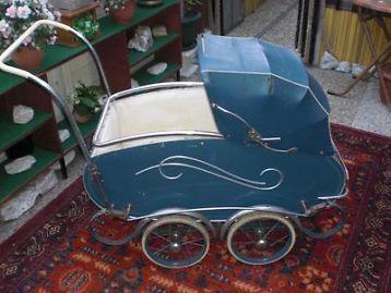 antieke kinderwagen