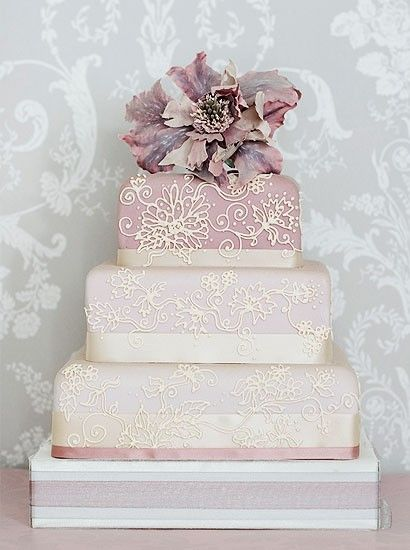 Dusky pinks make this cake almost too good to eat.: Duski Pink, Cakes 1125080, Pink Cakes, Cakes Art, Weddings Cakes, Dusty Pink, Cakes 805023, Cakes Idea, Accent Color