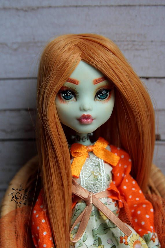 Verkauf OOAK repaint Custom Readhead kleine Gretta Mädchen voller Outfit Handmade Kleid Perücke Frankie Stein Monster High Art Puppe ALL4DOLL