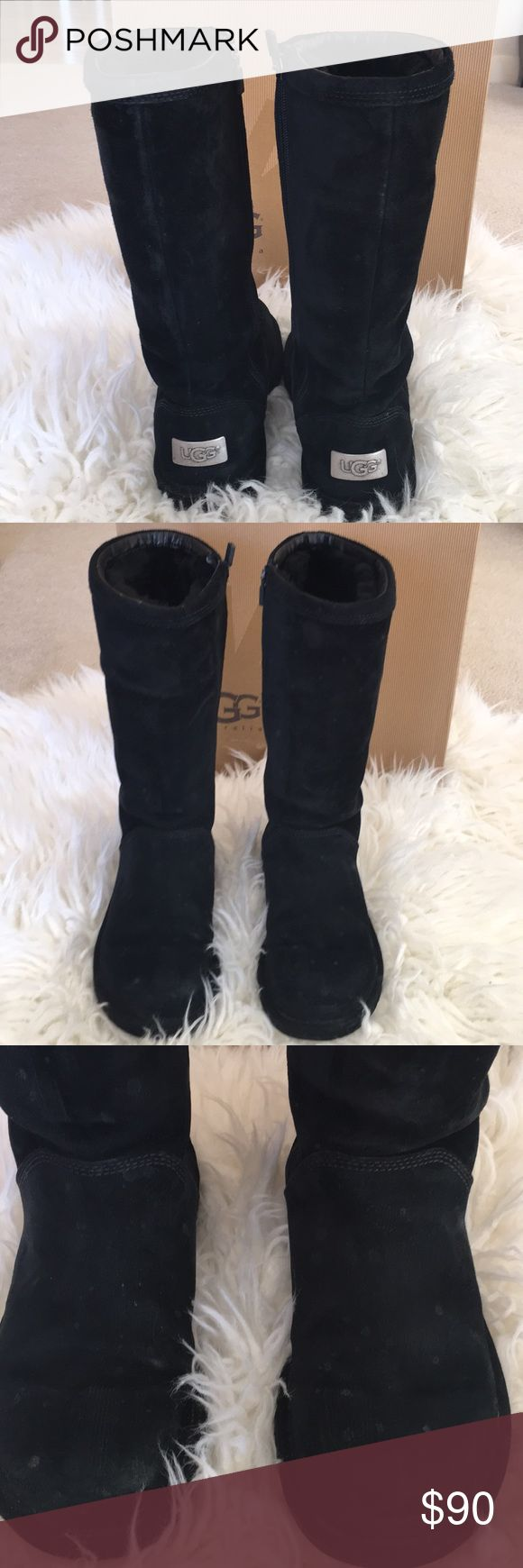 UGGs W Kenly Black Sz 7 UGGs W Kenly Black. Sz 7. Ugg's are still in very good condition, but have some water spots (see picture). A good cleaning would make them like new again. Boots were purchased from Nordstroms. UGG Shoes Winter & Rain Boots