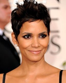 Celebrity Hairstyle: helle berry haircuts short hair.