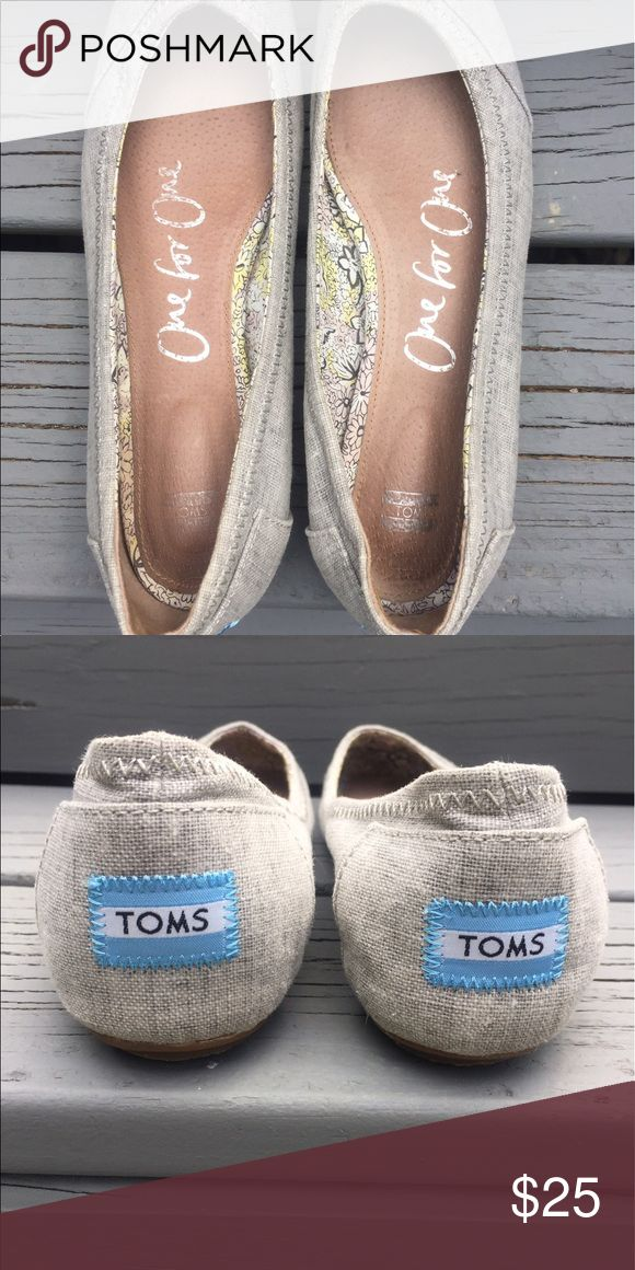 TOMS ballerina flats. Ballerina style flats. Light grey color. Lightly worn. Toms Shoes Flats & Loafers