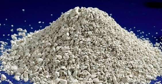"""Soprannominata """"lo spazzino dell'organismo"""", la zeolite possiede la grande capacità di assorbire tossine, metalli pesanti, pesticidi, micotossine e radicali liberi"""