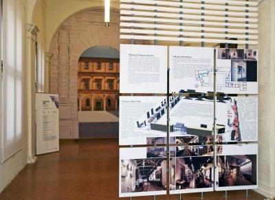 allestimento mostra Palazzo dei Pio