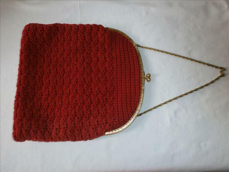 väska,röd handvirkad aftonväska,vintage, 60-tal på Tradera. Aftonväskor