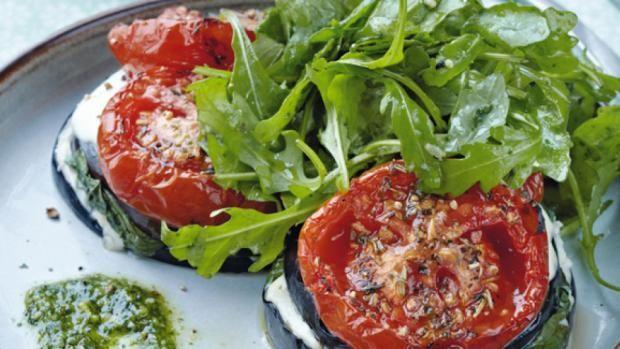 Grillet tomattårn med pesto