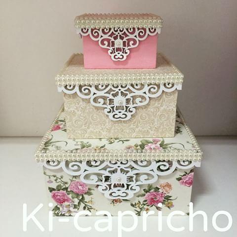 Trio de caixa decorativa, em mdf, revestida em tecido e com detalhes todo…