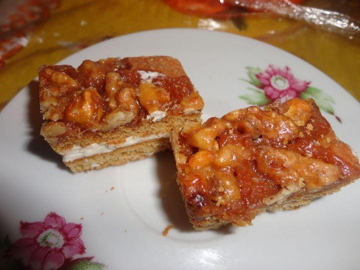 Medové rezy s orechami