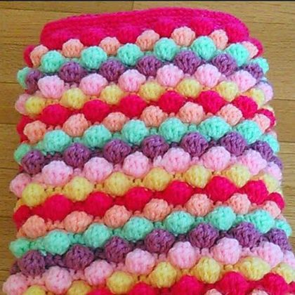 Crochet Baby Girl Bobble Blanket (Free Pattern)