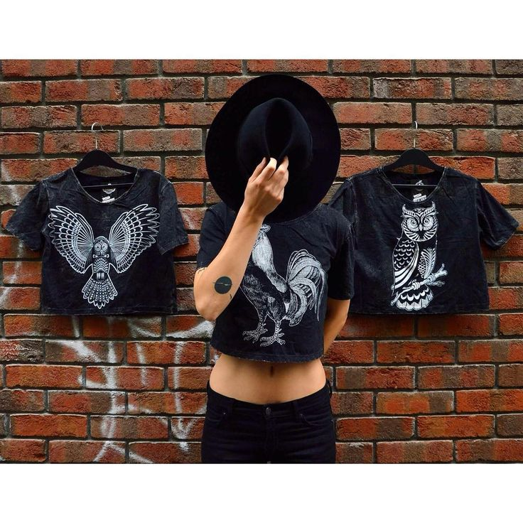 Bird is the word 🐧 #stonewashed #style #bird #print #croptop #collection #owl #rooster #uhu #dark #szputnyikshop #szputnyik #budapest #casual #streetstyle #brick #tattoo
