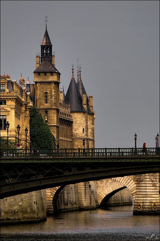 La Conciergerie - Paris, Ile-de-FranceLa Conciergerie is a former royal palace and prison in Paris, France, located on the west of the Île de la Cité, near the Cathedral of Notre-Dame. It is part of the larger complex known as the Palais de Justice, which is still used for judicial purposes. Hundreds of prisoners during the French Revolution were taken from La Conciergerie to be executed on the guillotine at a number of locations around Paris.