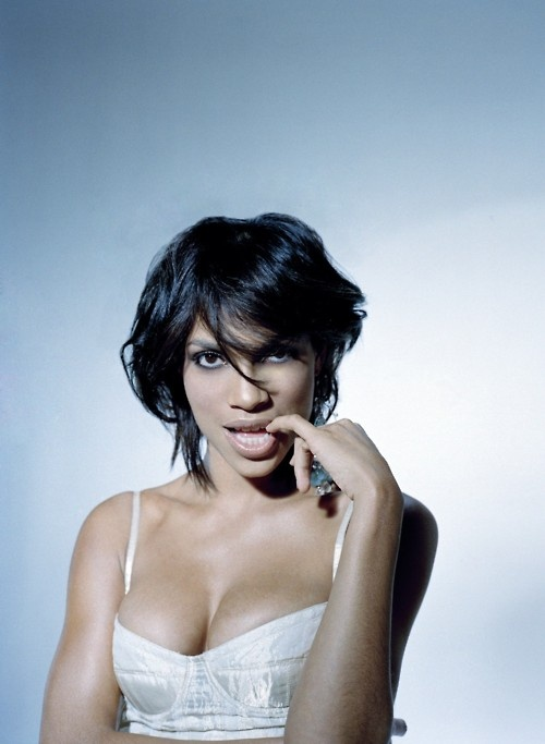 Rosario Dawson...she is just sooo pretty!