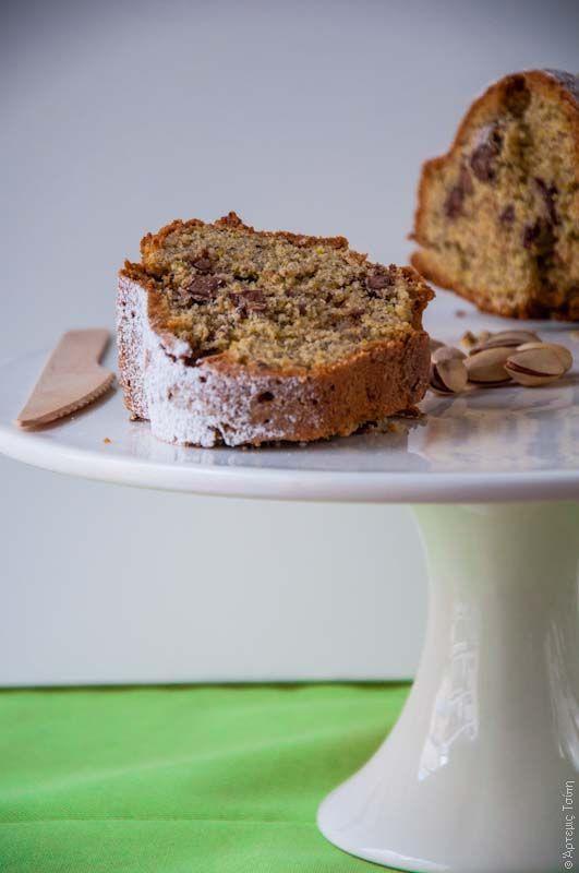 Κέικ με φυστίκι Αιγίνης και σοκολάτα.