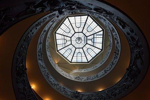 The double helix staircase by Edoardo Gobattoni