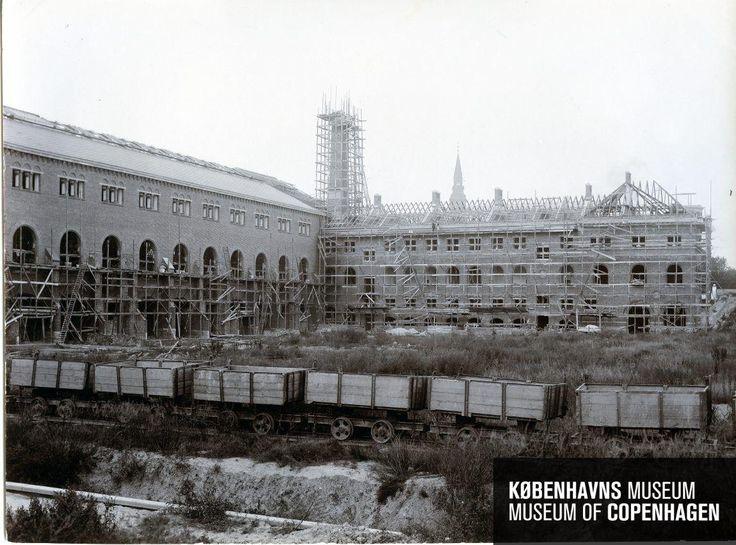 Københavns 3. Hovedbanegård Beskrivelse Opførelse af den nye personbanegård Tid Fremstillet: 10. september 1909