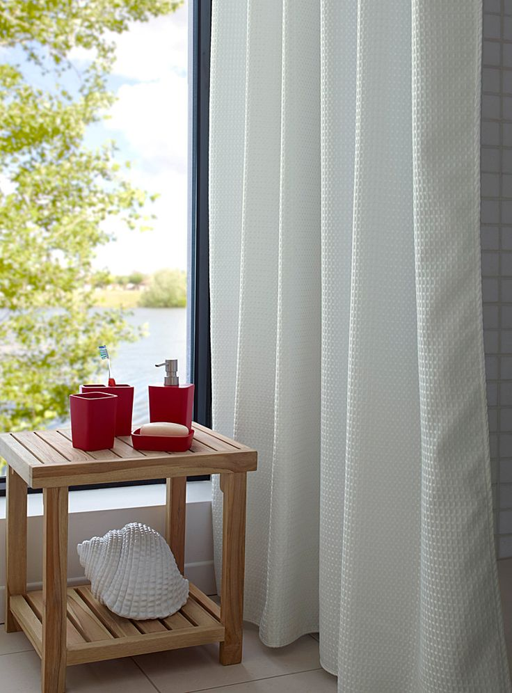 17 meilleures id es propos de rideau de douche tissu sur pinterest rideaux de douche en. Black Bedroom Furniture Sets. Home Design Ideas