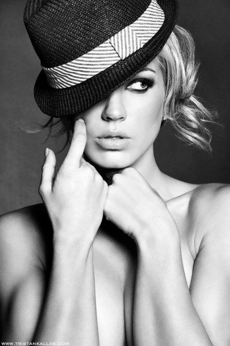 fedora!: Ideas, Boudoir Photography, Boudoir Photos, Dark Eye, Fedoras, Beautiful, Photography Poses, Portraits, Cowboy Hats