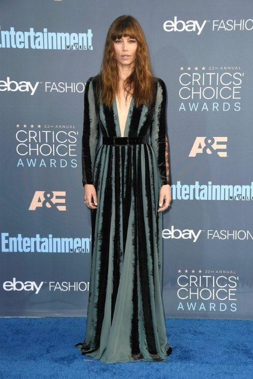 Jessica Biel at Critics' Choice Awards 2016 in Elie Saab, Джессика Бил