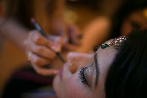 Dreams of the Indian Bride  She's getting impatient, yet she's calm. She's preparing for the most important moment of her life. Everything has to be perfect!  And even in these tense moments, she dreams of a promising tomorrow…..