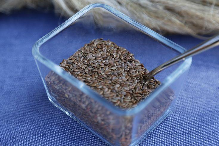 Scopri tutti i modi per utilizzare i semi di lino e sfruttare le loro proprietà benefiche per la tua bellezza e la tua salute.