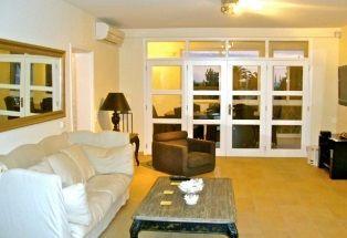Swanky penthouse in Vilamoura. http://pt.meravista.com/en/property-loule-algarve-portugal/apartment-marina-de-vilamoura-56338