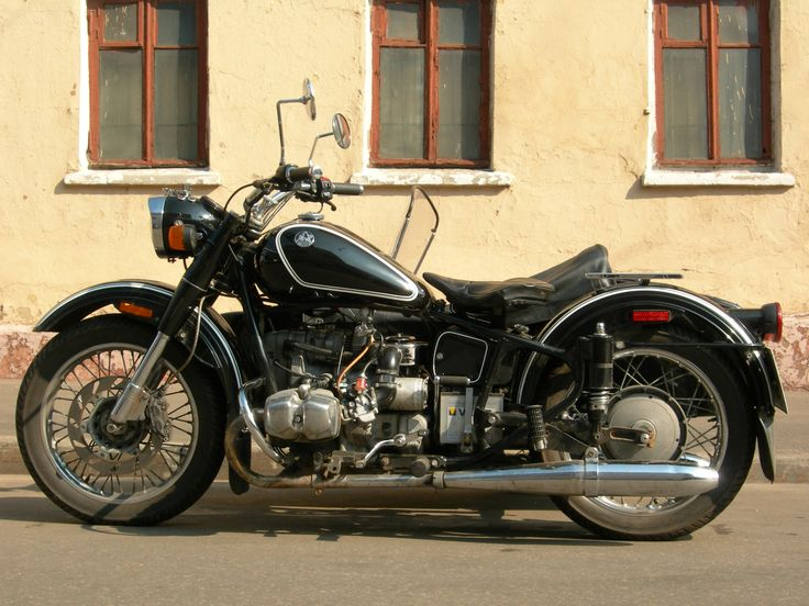 Here is a cool pic of a Ural Retro.