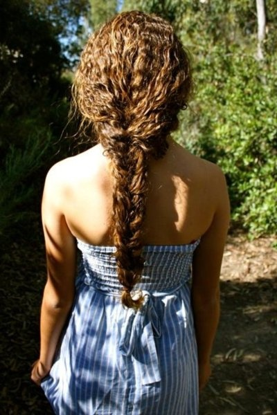3/4 of the way! Love this loooong braid!