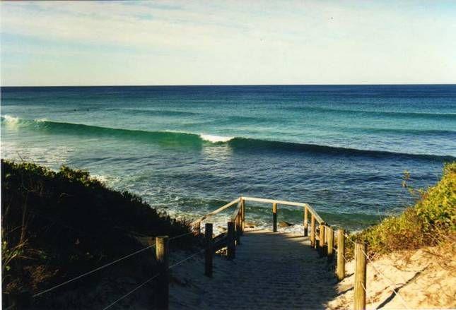 BOOMER'S BEACH HOUSE, a Boomerang Beach Stunning Beach Hse Overlooking | Stayz