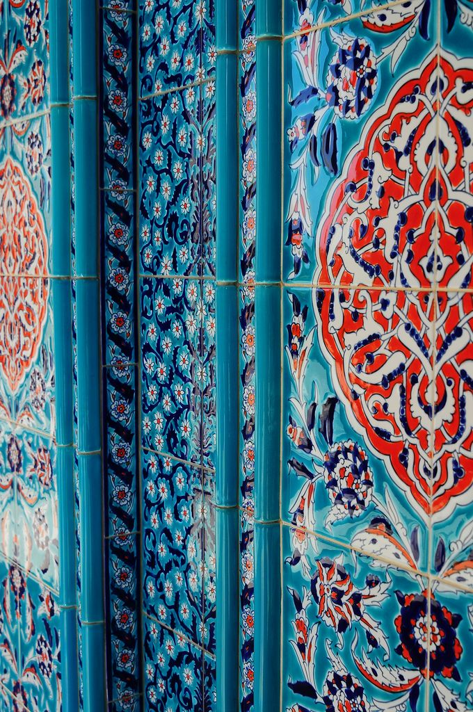 Colors and patterns in Morocco