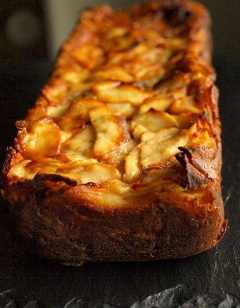 """Gâteau """"invisible"""" aux pommes sans gluten ni lactose :  7 pommes reinettes 10 cl…"""
