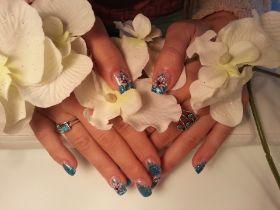 Schönes blau mit Motiv / Blue with Nail Art