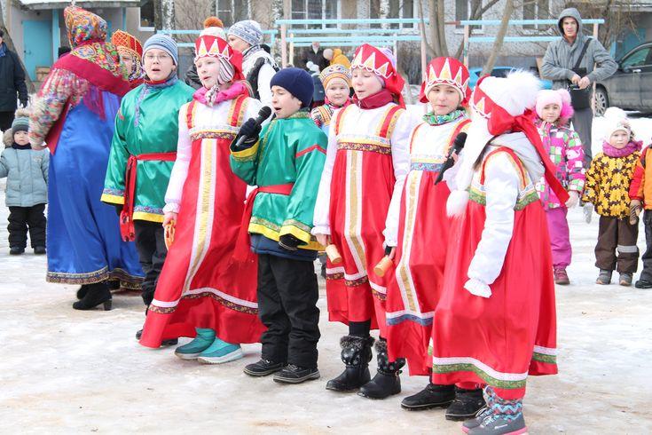 """Рубрика """"Пишут юнкоры""""   В субботу в Колычёве прошёл традиционный праздник прощания с зимой. Его провели о"""