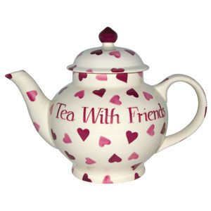 Such a cute teapot! My love for tea just grows and grows, and with it the amount of tea related paraphernalia I own...