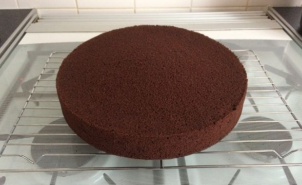 This delicious basic chocolate Madeira cake is perfect as a celebration cake, as it is firm and dense, but still moist and fluffy!