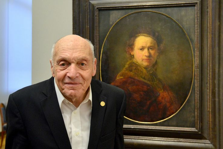 Jewish 'Monuments Man' accepts Staufer Medal from German hometown Karlsruhe