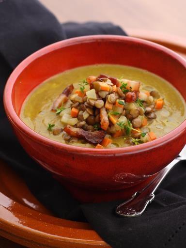 poivre, feuille de laurier, thym, crême fraîche, bouillon de volaille, oignon, beurre, pois cassés, ail, sel