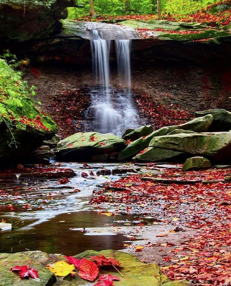 Fall in Ohio: Blue Hen Waterfalls in Brecksville, Ohio