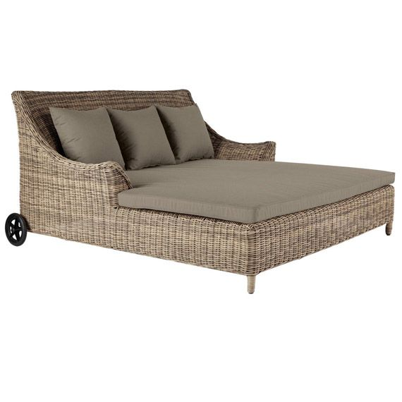 easthampton double day bed rattan