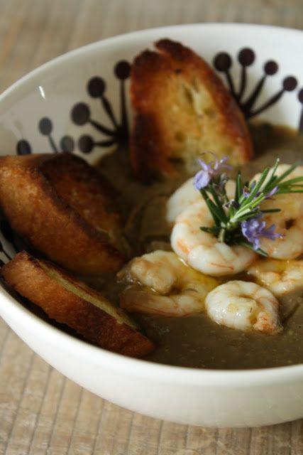 Crema di lenticchie con gamberi al rosmarino e bruschetta all'aglio | Anna The Nice