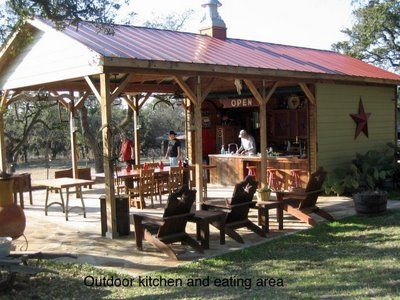 Texas Style Outdoor Kitchen and Eating Area