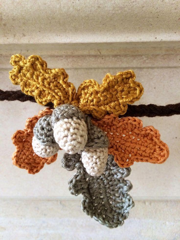Acorn & Oak Leaf Autumn Garland, DIY tutorial with links to crochet patterns…