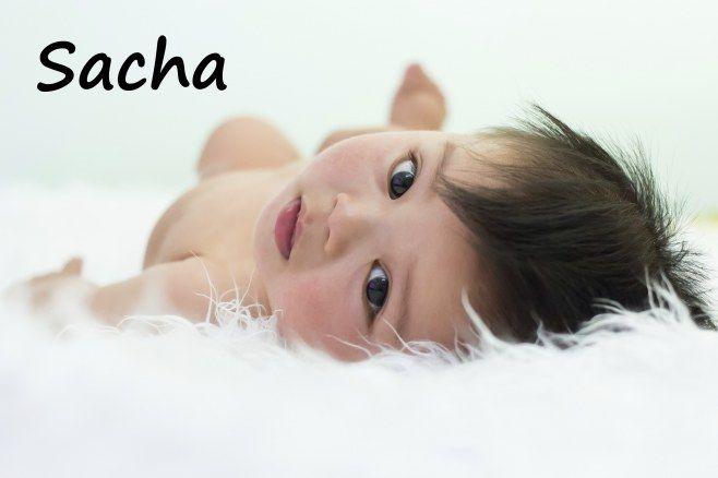 Prénom d'origine grecque, Sacha signifie « défense de l'humanité ». En russe Sacha est le diminutif d'Alexander. En France Sacha (ou Sasha) est un prénom mixte dont la popularité connaît une ascension fulgurante depuis une dizaine d'années.